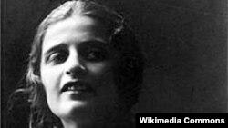 Scriitoarea Ayn Rand (Alisa Zinovievna Rosenbaum)