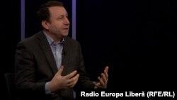 Igor Munteanu la o dezbatere în studioul Europei Libere