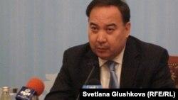 Қазақстанның сыртқы істер министрі Ержан Қазыханов. Астана, 15 қараша 2011 жыл.