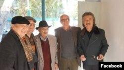 Али Хамраев (второй справа) с известными деятелями культуры Узбекистана.