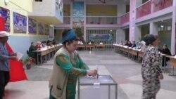 Маҷлиси Душанбе. Курсии коммунистҳоро сотсиалистҳо гирифтанд