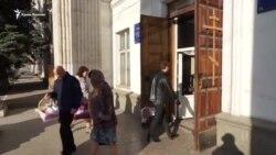Великдень у Сімферополі: віряни освятили святкові кошики (відео)