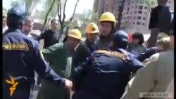 Ոստիկանները Մաշտոցի այգում ուժ կիրառեցին