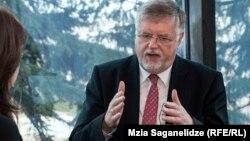 В специальном интервью Радио Свобода Герберт Зальбер подтвердил, что вопрос открытия офиса в Сухуми обсуждался, добавив при этом: все будет зависеть от того, как пройдет реализация гуманитарных программ