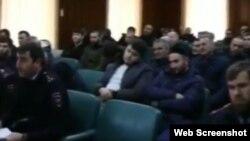 """Чеченские водители-нарушители, скриншот с видео """"ЧП Чечня"""""""