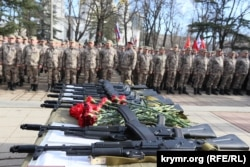 Крымская «самооборона» на митинге в Симферополе, 23 февраля 2015 года