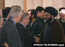 در دیدار با حسن نصرالله در دمشق در ژوئن ۲۰۰۰