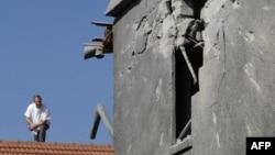 Оштетена куќа при ракетен напад во појасот Газа
