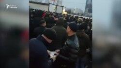 Орусия базарларында мигранттар кармалды