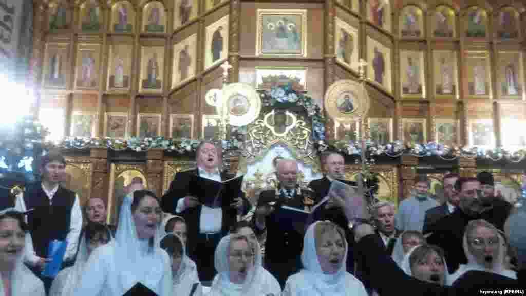 Рождественский концерт в Покровском соборе в Севастополе, городе в аннексированном Россией Крыму.