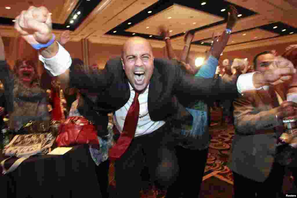 جشن و شادی در مرکز انتخاباتی حزب دمکرات در لاس وگاس، نوادا، بعد از اعلام خبر پیروزی اوباما
