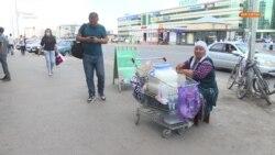 «Так и живем». Как казахстанские пенсионеры вынуждены экономить