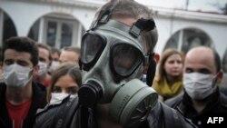 I u Prištini se protestovalo protiv toga da se u Albaniji uništi sirijsko nuklearno oružje, 12. novembar 2013.