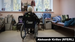 Жителей новгородского дома престарелых отправили в детский дом-интернат