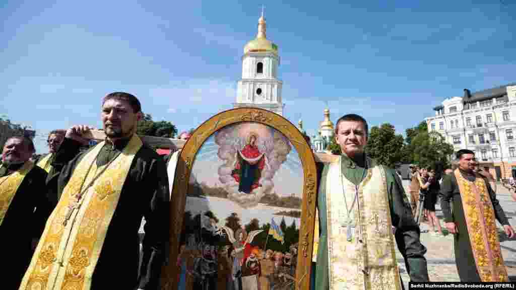 Ікона «Пресвята Богородиця — покровителька українських воїнів»