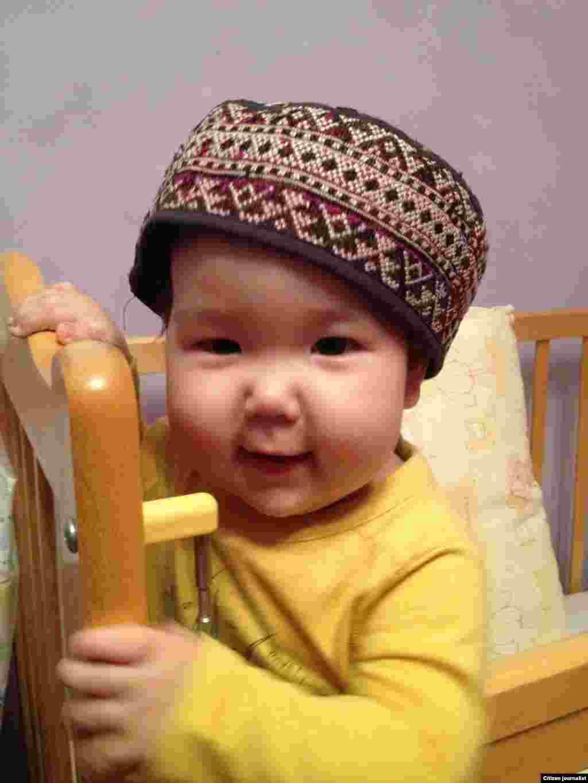 Моя дочь, которой исполняется годик, выбрала себе тюбетейку. Прислал читатель Галым Агелеуов