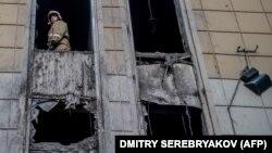 """Сгоревший торговый центр """"Зимняя вишня"""" в Кемерове. 29 марта 2018 года."""