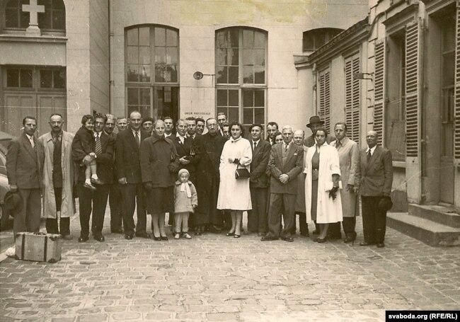 У 1956 годзе парыскія беларусы правялі паніхіду па памерлым Якубу Коласу