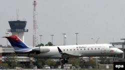 Причиной катастрофы самолета в США, в результате которой погибли 49 человек, объявлена ошибка пилота. Так же звучит одна из новых версий падения Ту-154 под Донецком