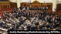 Опозиція блокує парламентську трибуну, Київ, 12 грудня 2012 року