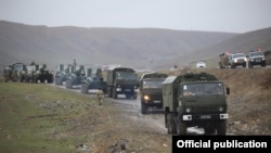 """""""Қауіпсіздік 2021"""" әскери жаттығуына дайындық жұмыстары және әскери техника. Баткен облысы, Қырғызстан, 12 наурыз 2021 жыл."""