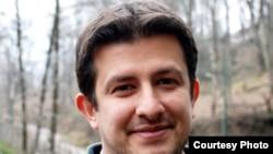 عماد بَهاور، مسئول شاخه جوانان نهضت آزادی ایران