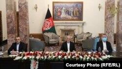 د افغانستان جمهور رئیس محمد اشرف غني، لومړی مرستیال امرالله صالح او دوهم مرستیال سرور دانش