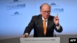 ولفگانگ ایشینگر مدیر کنفرانس معتبر امنیتی مونیخ است.