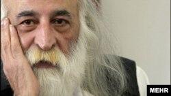 محمدرضا لطفی از موسیقیشناسان برجسته ایرانی که ماهها از بیماری سرطان در رنج بود، صبح روز جمعه درگذشت