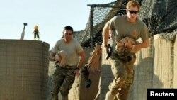 Princi Harry gjatë shërbimit ushtarak në Afganistan