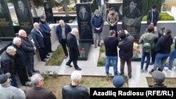 Bakı, Elmar Hüseynovun məzarı ziyarət olunur, 2 mart 2019