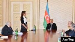 Ільгам Алієв представляє Мегрібан Алієву на засіданні Ради безпеки Азербайджану, Баку, 21 лютого 2017 року