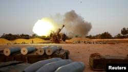 Ливийская артиллерий наносит удары по целям «Исламского государства»