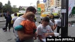 """Inițiativa """"Oameni noi în politică"""" începe să strângă semnnături, București 16 septmbrie 2018"""