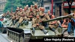 Советские танки в Праге, 21 августа 1968 года