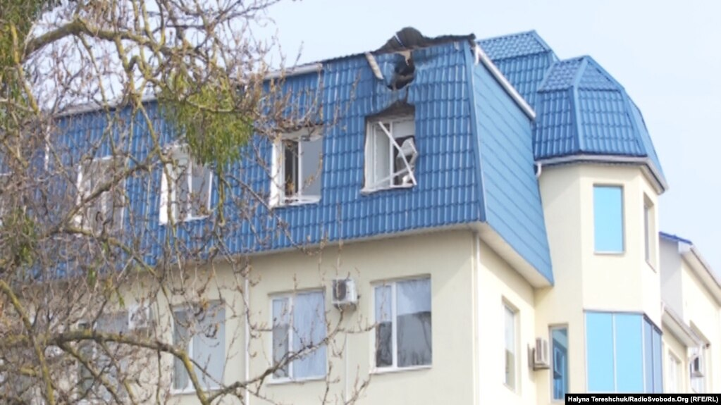 Консульство Польщі, пошкоджене пострілом з гранатомета, Луцьк, 29 березня 2017 року