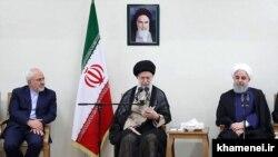 حسن روحانی رئیس جمهور آیتالله خامنهای رهبر و محمدجواد ظریف وزیر خارجه ایران