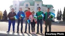Татар активистлары Башкортстан әләмнәре белән