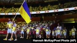 Урочистий вихід української олімпійської збірної під час церемонії відкриття Олімпіади