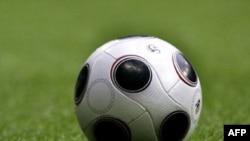 """Футбольная """"квадратура круга"""" - и каждый спортивный телеканал предлагает свое решение"""