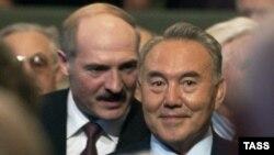 Belarus's Alyaksandr Lukashenka (left) and Kazakhstan's Nursultan Nazarbaev will then travel to Moscow.