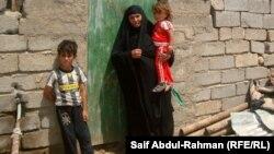 فقراء من سكان العشوائيات في الكوت