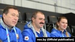 Виктор Лукашенко (в центре)