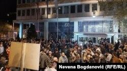 Протест пред гостувањето на Вучиќ во РТС