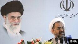 """Иран барлау министрі Гейдар Мослехи Stuxnet вирусы мәлім болған соң бірнеше қызметкерді """"тыңшылық жасады"""" деген айыппен тұтқындаған. Қазан, 2010 жыл. (Көрнекі сурет)"""