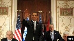 Američki predsjednik Barack Obama sazvao je sastanak nakon propalog posredovanja američkog izaslanika za Bliski istok Džordža Mičela.