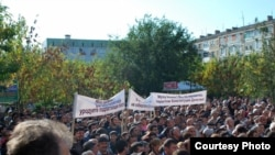 Demonstrators in Derbent protest on October 12 against the rigging of the vote.