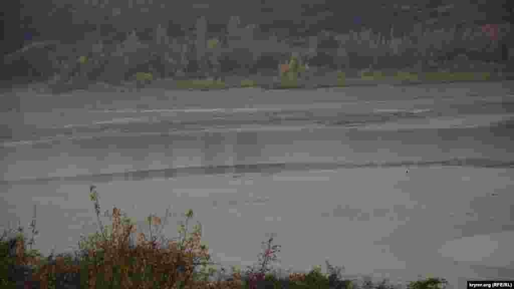 Дно водосховища майже повністю оголилося