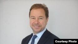 Член совета директоров компании Chaarat Gold Holdings Limited Артем Волынец.