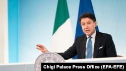 Италијанскиот премиер Џузепе Конте